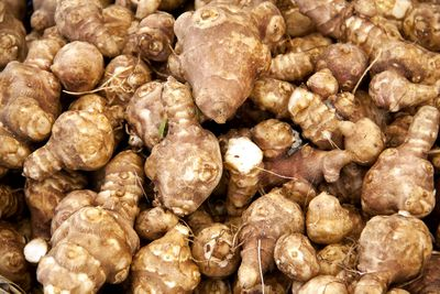 Jerusalem artichokes: 429mg potassium per 100g (two-thirds of a cup, sliced)
