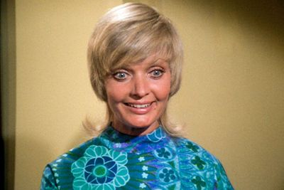 Florence Henderson (Carol Brady)