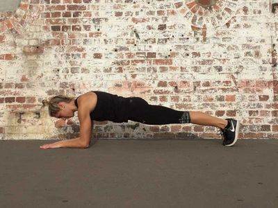<p>Plank hold, 20 seconds</p>