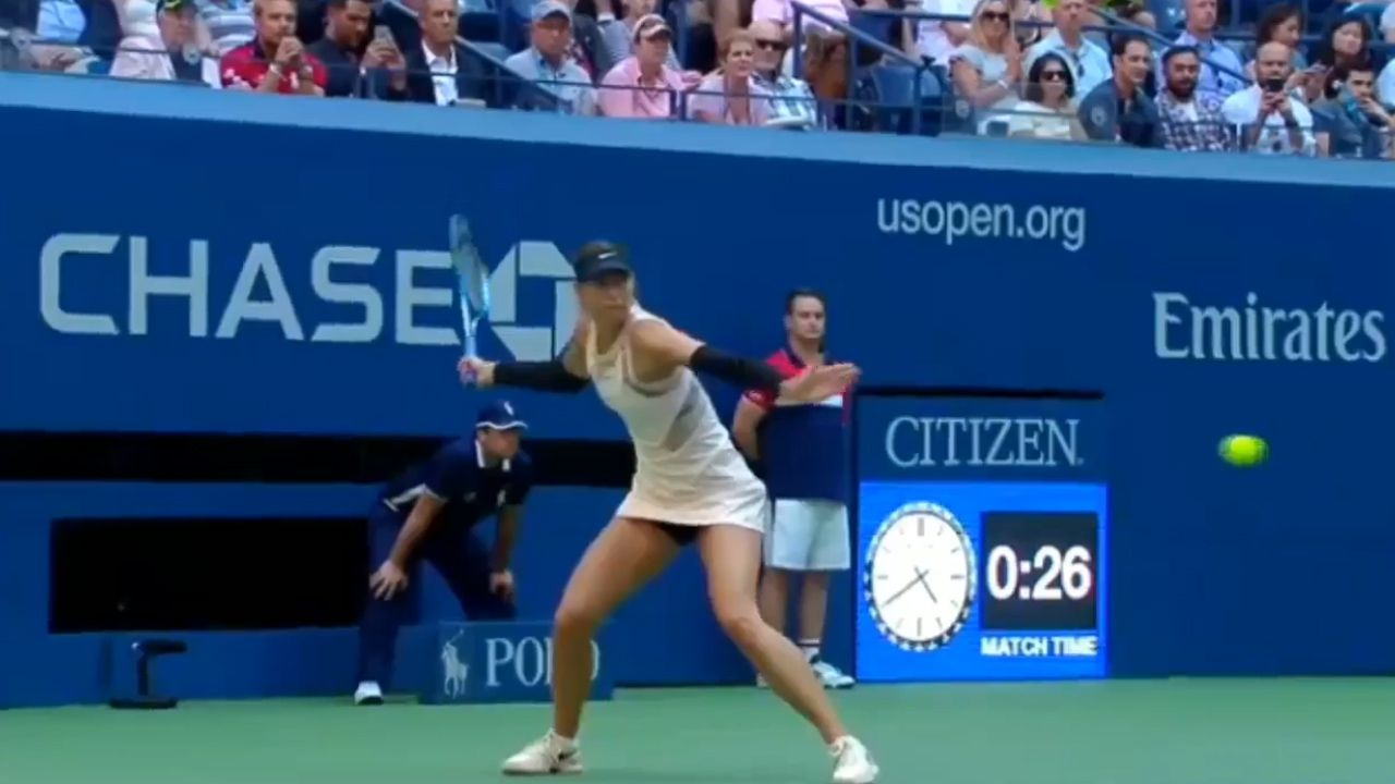Sharapova advances