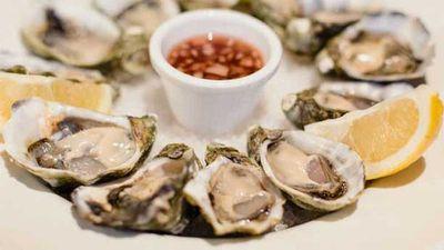 Oysters with Irish soda bread