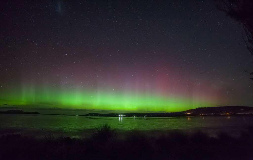 Aurora Australis in Cremorne beach. Image: iStock