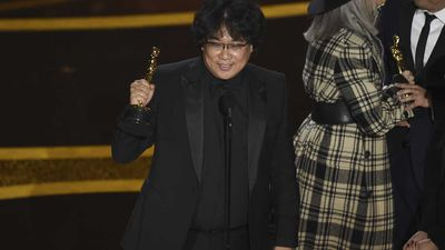 Parasite sweeps Oscars