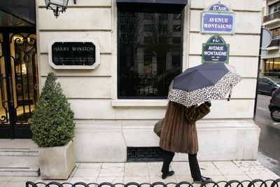 While Christmas shoppers stroll outside the posh Harry Winston jewellery shop near Paris' famed Champs-Elysees in 2008, armed thieves — some dressed as women and wearing wigs — entered the store and stole gems and jewelled watches worth up to $85 million, according to French police.