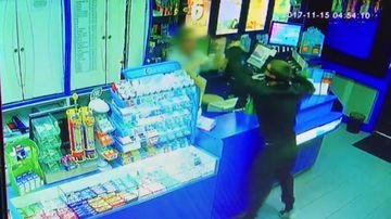 9RAW: NSW shop worker thwarts brazen robbery attempt