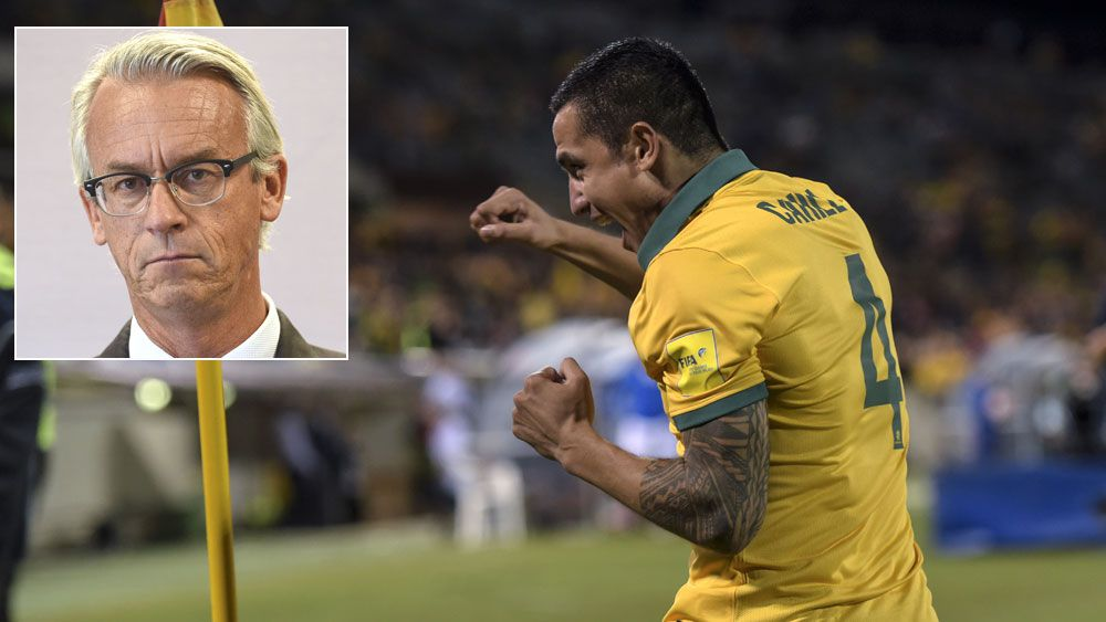 Tim Cahill and (inset) David Gallop. (AAP)