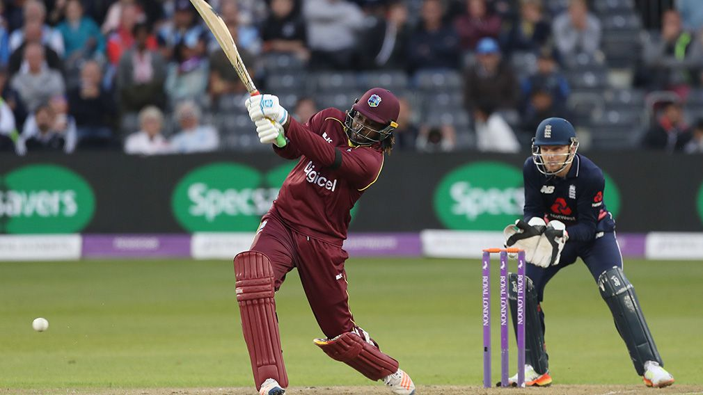Gayle seeks to cash in on Sydney court win