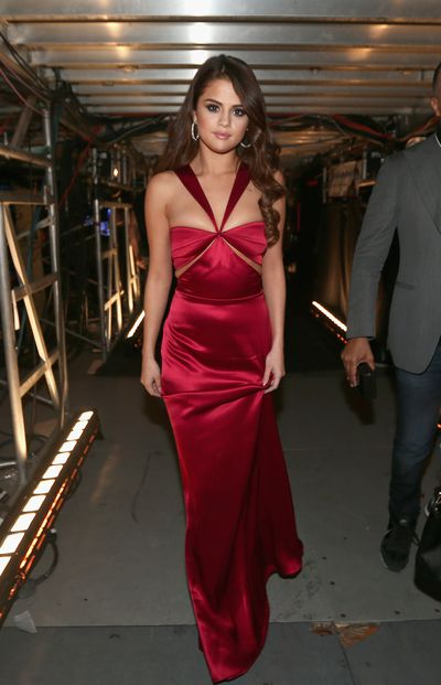 Selena Gomez at the Grammys in 2016 wearing Cushine et Och.