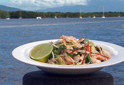 Vietnamese prawn and papaya salad