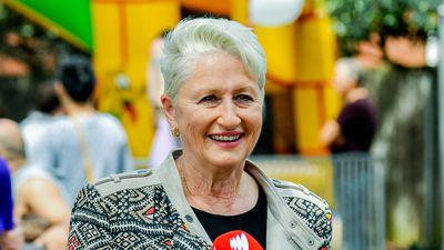 Poll reveals Kerryn Phelps tipped to win critical Wentworth seat