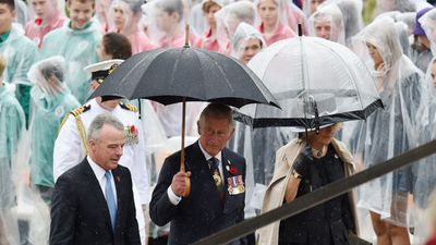 The Royals lead tributes to the fallen in the nation's capital, their visit will conclude with an opportunity to meet members of the public. (AAP)