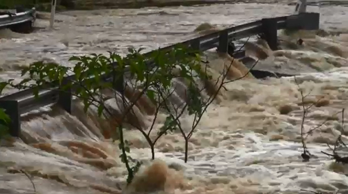 Australia east coast hit with heavy rain, flooding
