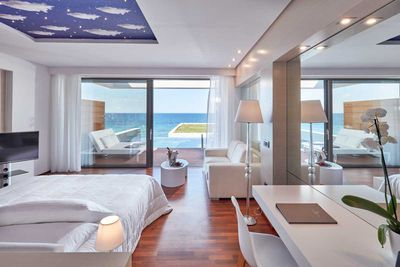 <strong>1. Lesante Blu Exclusive Beach Resort, Zakynthos, Greece</strong>
