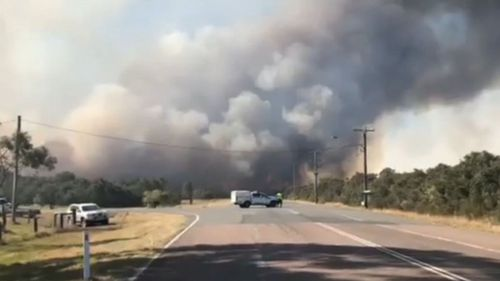 On bushfire in New South Wales remains at an 'emergency' warning level.