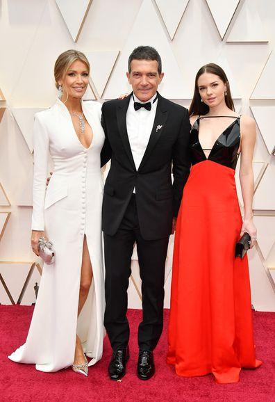 Nicole Kimpel, Antonio Banderas, and Stella Banderas, Oscars, 2020, red carpet