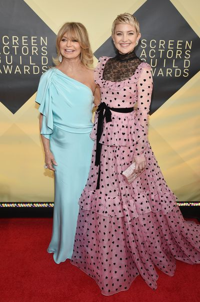 Goldie Hawn and Kate Hudson in Valentino at the 2018 SAG Awards