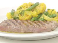 Barbecued beef steak, tumeric, dill, cauliflower and green beans