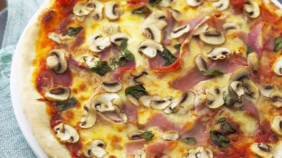 "Recipe:&nbsp;<a href=""http://kitchen.nine.com.au/2016/05/19/10/16/mushroom-and-prosciutto-pizza"" target=""_top"">Mushroom and prosciutto pizza<br> </a>"