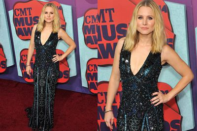 The hostess with the mostest! <br/><br/>Kristen Bell shone bright like a diamond, dabbling in the plunging neckline pool. <br/>