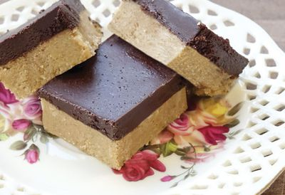 Peanut butter chocolate quinoa bars