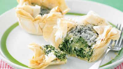 "Recipe: <a href=""http://kitchen.nine.com.au/2016/05/13/11/42/mini-spanakopita"" target=""_top"">Mini spanakopita</a>"