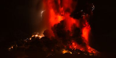 Chilean vulcanologist Gabriel Orozco told local television there were fears the volcano would produce a 'pyroclastic flow', a super-hot current of gas and rock that can fall to the ground and destroy everything in its path. (AAP)