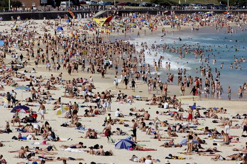 Beaches including Bondi Beach (pictured) are expected to be packed today. (AAP)