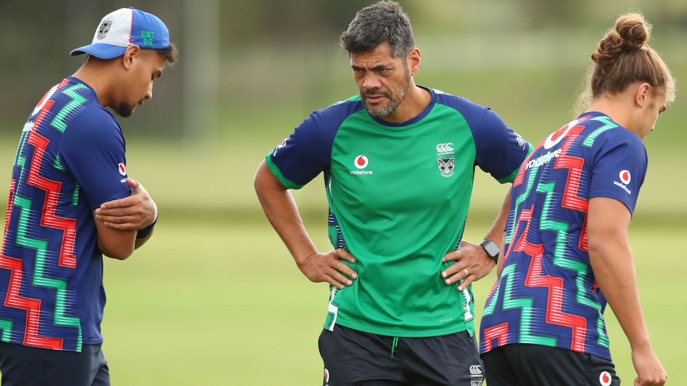 Head Coach Stephen Kearney talks to players during a New Zealand Warriors NRL training session