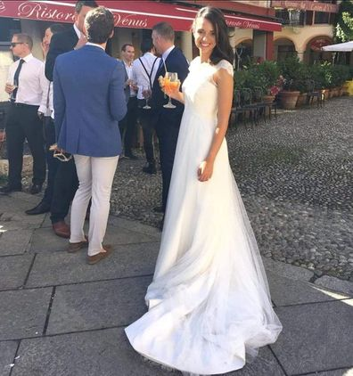 Secret note in bride's second-hand gown brings her to tears