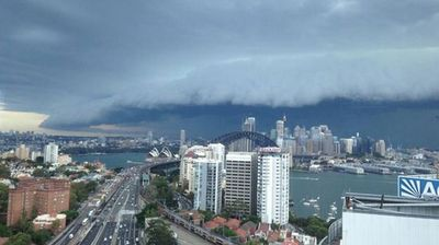 Twitter user @Damien Quinnell posted this shot of the storm cell making its way across the city.