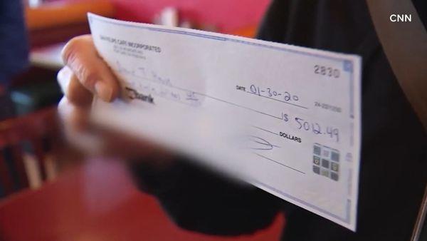 Restaurant owner returns accidental $7K tip to customer