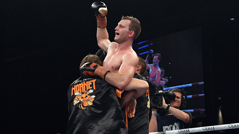 Jeff Horn defeats Gary Corcoran via 11th round TKO to retain WBO welterweight title