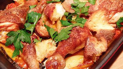 "Recipe:<a href=""http://kitchen.nine.com.au/2016/05/05/12/56/chicken-drumsticks-with-roasted-panzanella"" target=""_top"">Chicken drumsticks with roasted panzanella</a>"