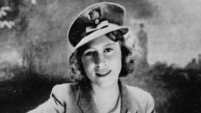 Queen Elizabeth, 1942