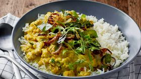 Cauli coconut lentil curry