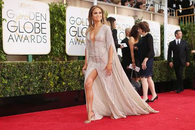Every big awards show is bound to have a few awkward arrivals moments and today's Golden Globes red carpet was no exception.<br/><br/>True to form, our fave stars gifted us with wardrobe malfunctions, interview over-shares, inappropriate touching and straight up shade-throwing. <br/><br/>From Jennifer Lopez flashing Ryan Seacrest to the Clooneys snubbing just about everyone, here is our round-up of today's good, bad and downright ugly red carpet moments...