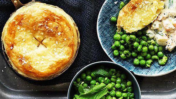 Creamy Australia prawn pie