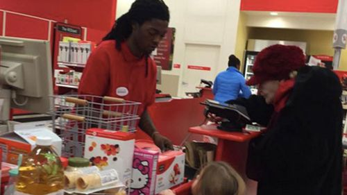 US cashier inspires with small act of kindness