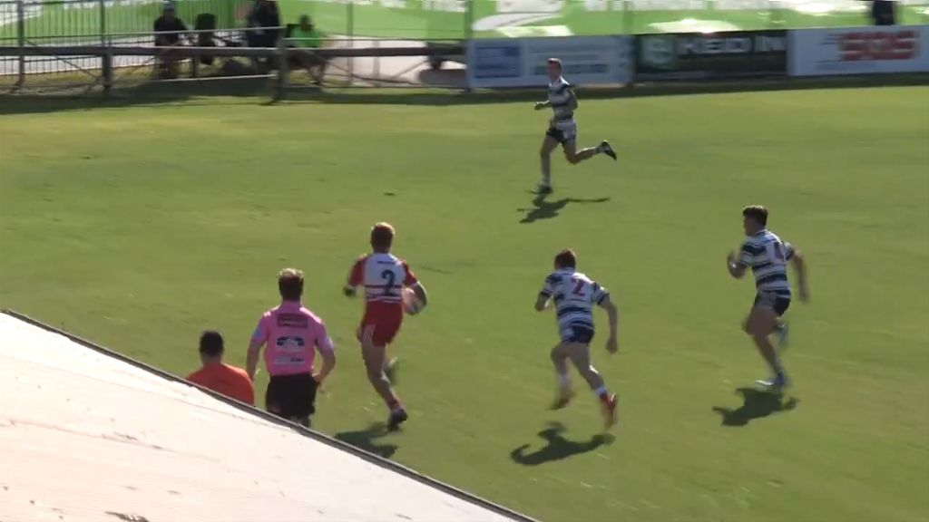 Schoolboy scores diving try
