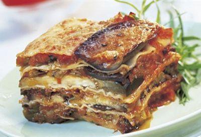 Eggplant, tomato & leek lasagne