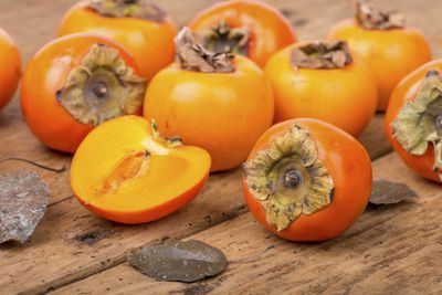 <strong>Persimmons</strong>