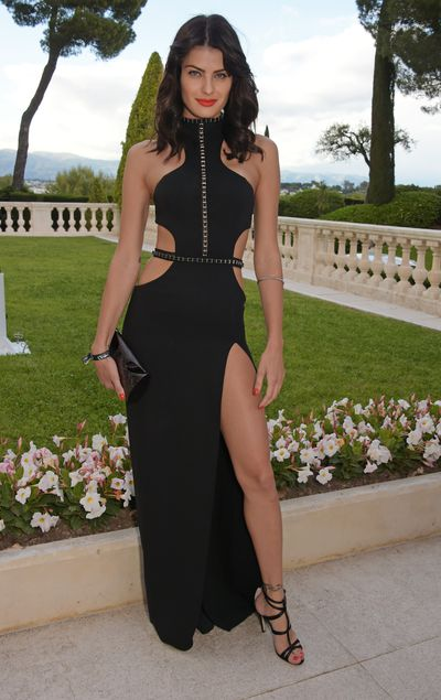 <p>&nbsp;Isabeli Fontana in Redemption Choppers</p>