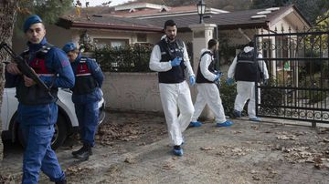 Turkish forensic officers investgate a site at a villa in Yalova city, Turkey, 26 November 2018. Reportedly they are looking for evidence in order to find the dead body of Jamal Khashoggi.