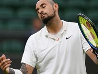 Kyrgios argues with umpire over towel