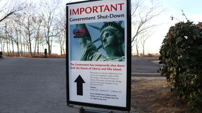 Tourists left high and dry after US shutdown closes Statue of Liberty
