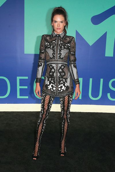 <p>WIN</p> <p>Alessandra Ambrosio in Balmain&nbsp;at the MTV VMAs in LA on August 29.</p> <p>Can Alessandra please talk to Hailey about how to do sexy without stripping off on the red carpet?<br /> <br /> </p>