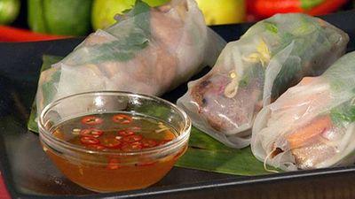 """<a href=""""http://kitchen.nine.com.au/2016/05/19/13/23/vietnamese-rice-paper-rolls"""" target=""""_top"""">Vietnamese rice paper rolls</a> recipe"""