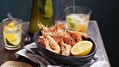 "<a href=""http://kitchen.nine.com.au/2016/05/16/14/25/salt-and-pepper-prawns-with-lemon"" target=""_top"">Salt and pepper prawns with lemon</a>"