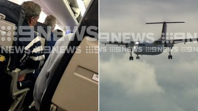 Qantas flight touches down in Port Macquarie after lightning strike