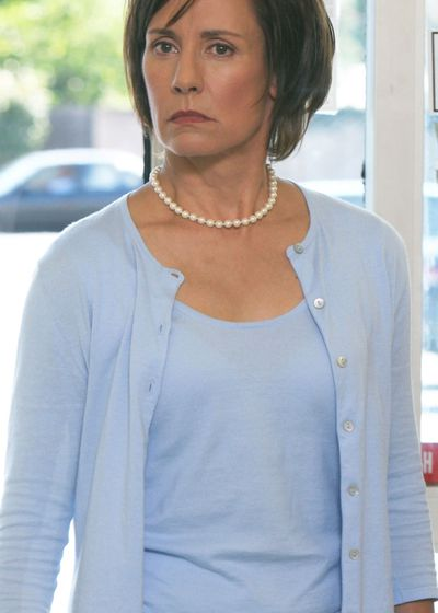 Laurie Metcalf as Carolyn Bigsby